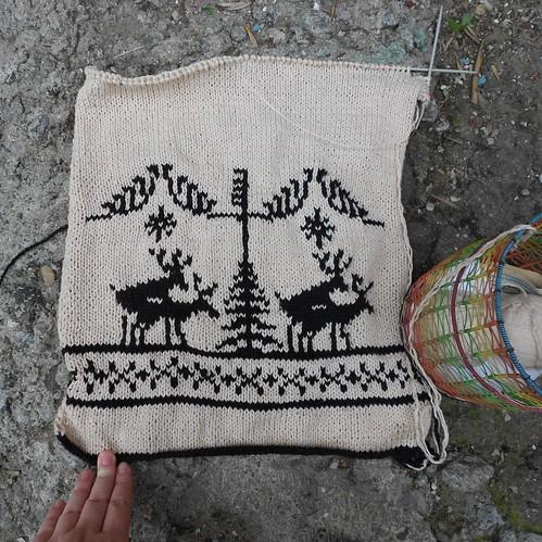 подушка с оленями прогресс
