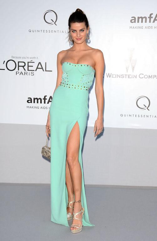 Isabeli Fontana in SS'12 Versace (2).jpg