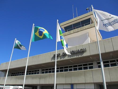 イグアス空港到着