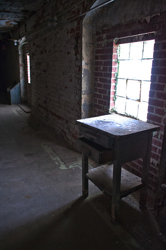 hdr-small-table