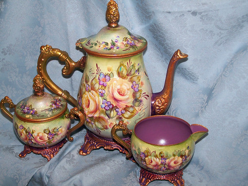 Recycled Vintage Tea-set with Roses