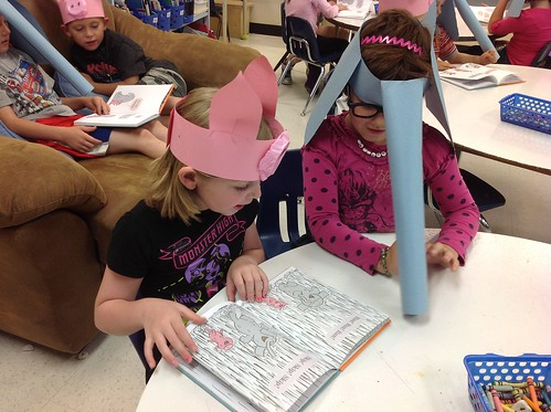 Reading Elephant and Piggie Books