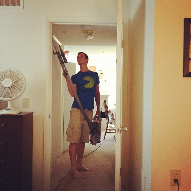 So thankful for a hubby that helps with the housework!