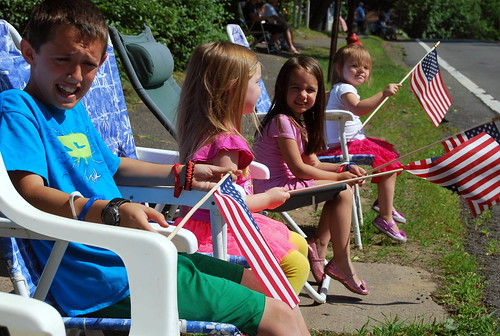 4th - patriotic parade goers