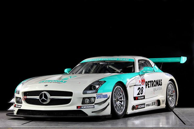 Petronas syntium team mercedes benz sls amg gt3 studio for Mercedes benz amg petronas