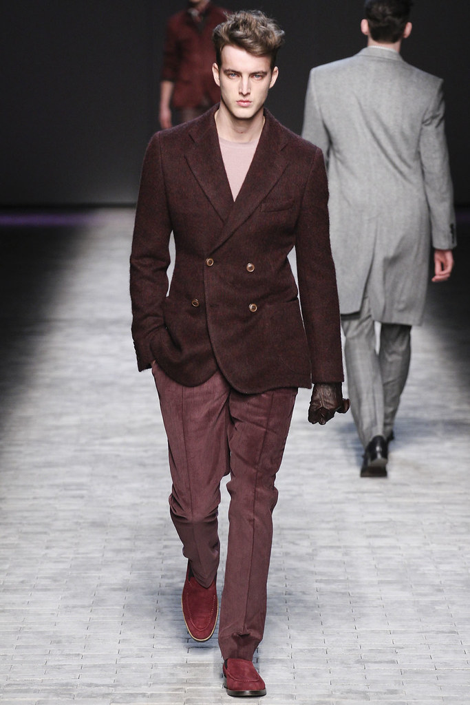 James Smith3615_FW12 NY Joseph Abboud(VOGUE)