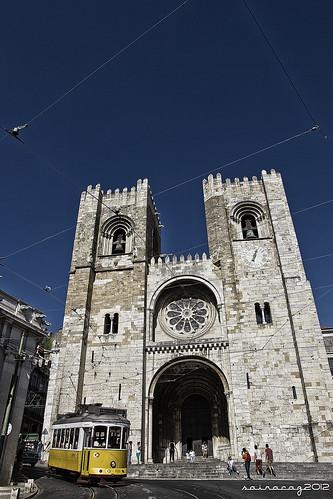 Lisboa Sé Catedral by sairacaz