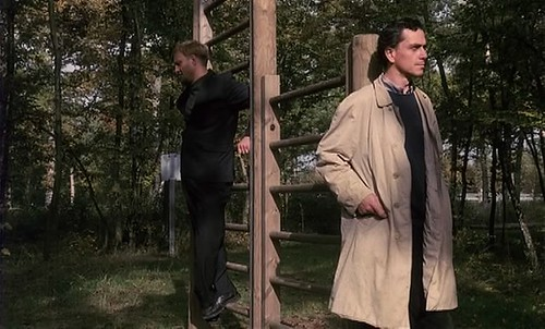 Rex (Gene Bervoets)and Raymond (Bernard-Pierre Donnadieu)