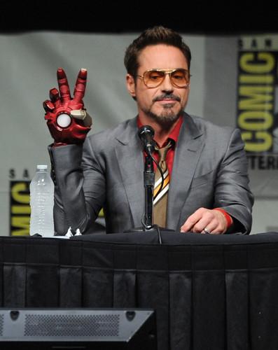 120716(2) - 『復仇者聯盟』鋼鐵人的電影續集《IRON MAN3》預定於2013/5/3率先問世、公開更多劇照!