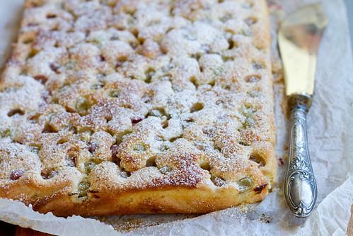 Gooseberry marzipan cake / Tikri-martsipanikook / Karusmarjakook martsipaniga