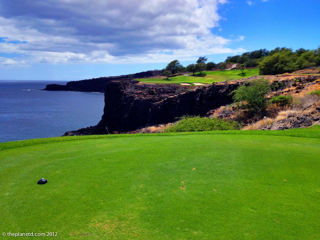golf course on ocean in hawaii