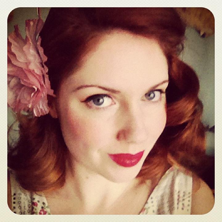 laneway_esme instagram vintage floral red hair