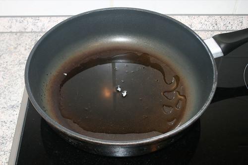 22 - Olivenöl erhitzen / Heat up olive oil