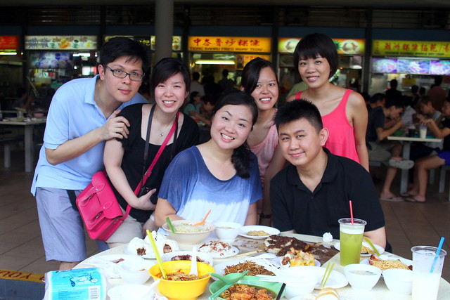 Took pictures with friends @ Tiong Bahru Market