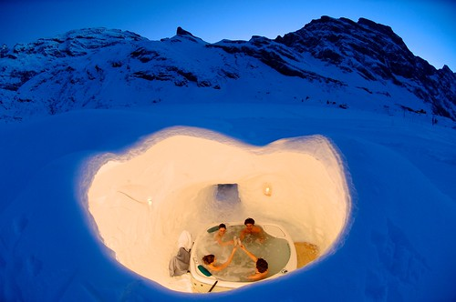 HotTubWithView1_Zermatt_CREDIT_PerretFoto.ch