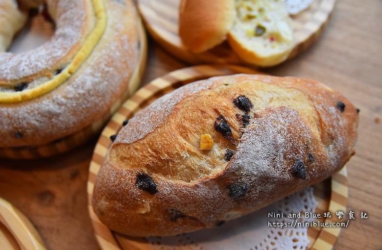 歐客佬咖啡麵包甜點太原路32