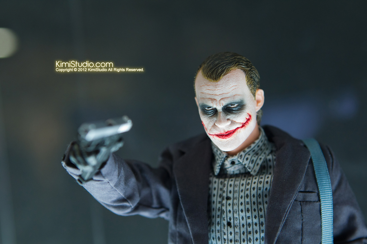 2011.11.12 HOT TOYS-019