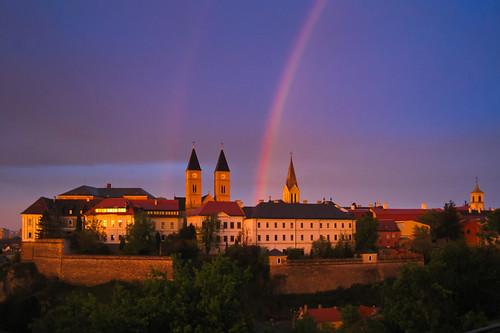 sunset geotagged rainbow hungary hun veszprém geo:lat=4709629065 geo:lon=1790002763