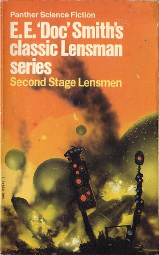 Second Stage Lensman by E.E. 'Doc' Smith. Panther 1973. Cover artist Chris Foss