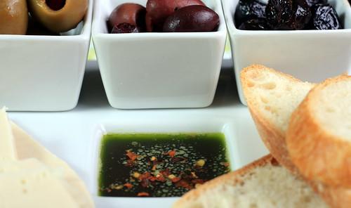 Homemade Basil and Garlic Oil