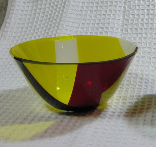 黄色い小鉢 by Poran111