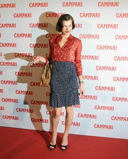 Milla Jovovich Clashing Prints Celebrity Style Women's Fashion
