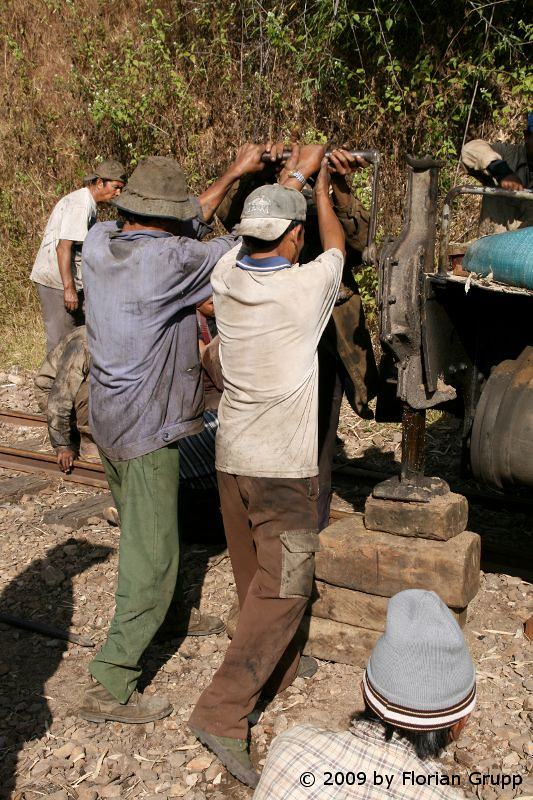 http://farm9.staticflickr.com/8149/7434475414_47b5b0620e_b.jpg