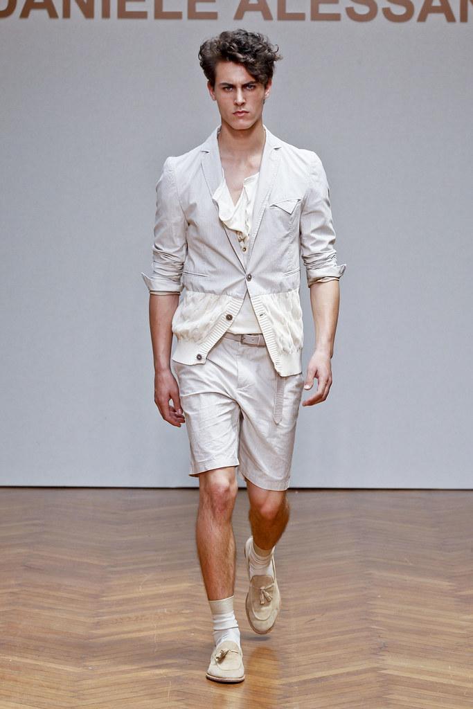 SS13 Milan Daniele Alessandrini017_Gwen Pauls(fashionising.com)