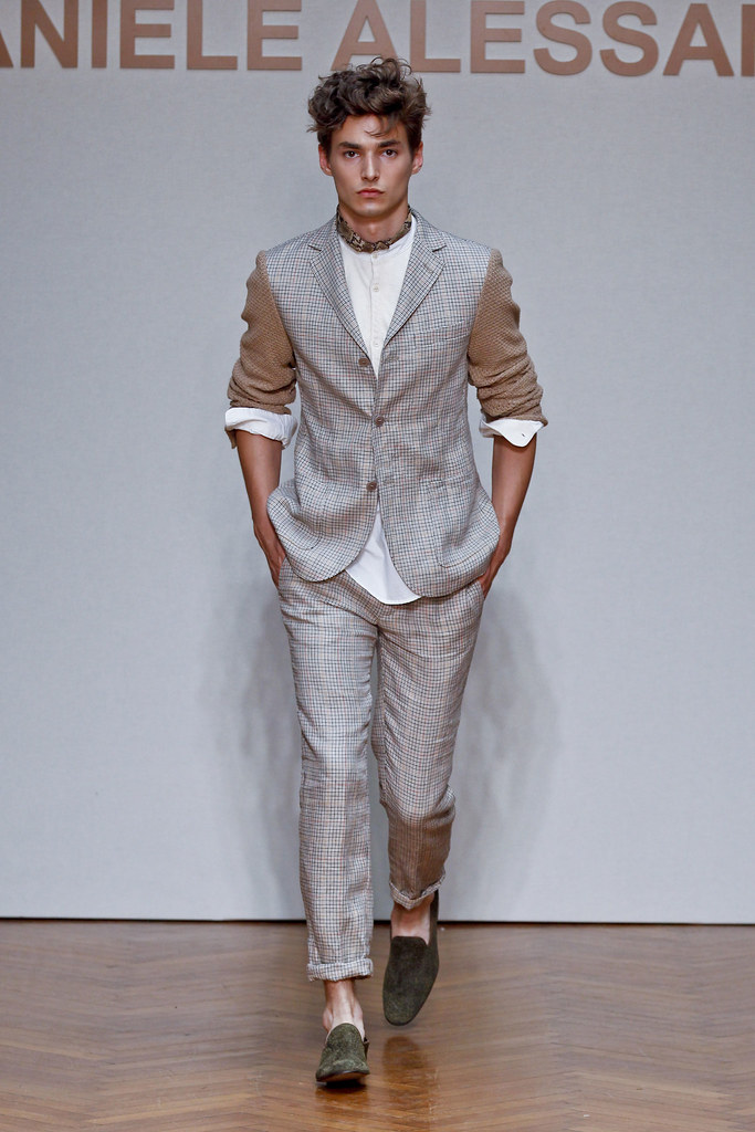 SS13 Milan Daniele Alessandrini031_Wojtek Czerski(fashionising.com)