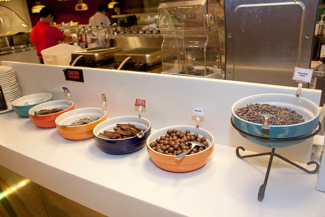 Swensen - Ice Cream Topping Station