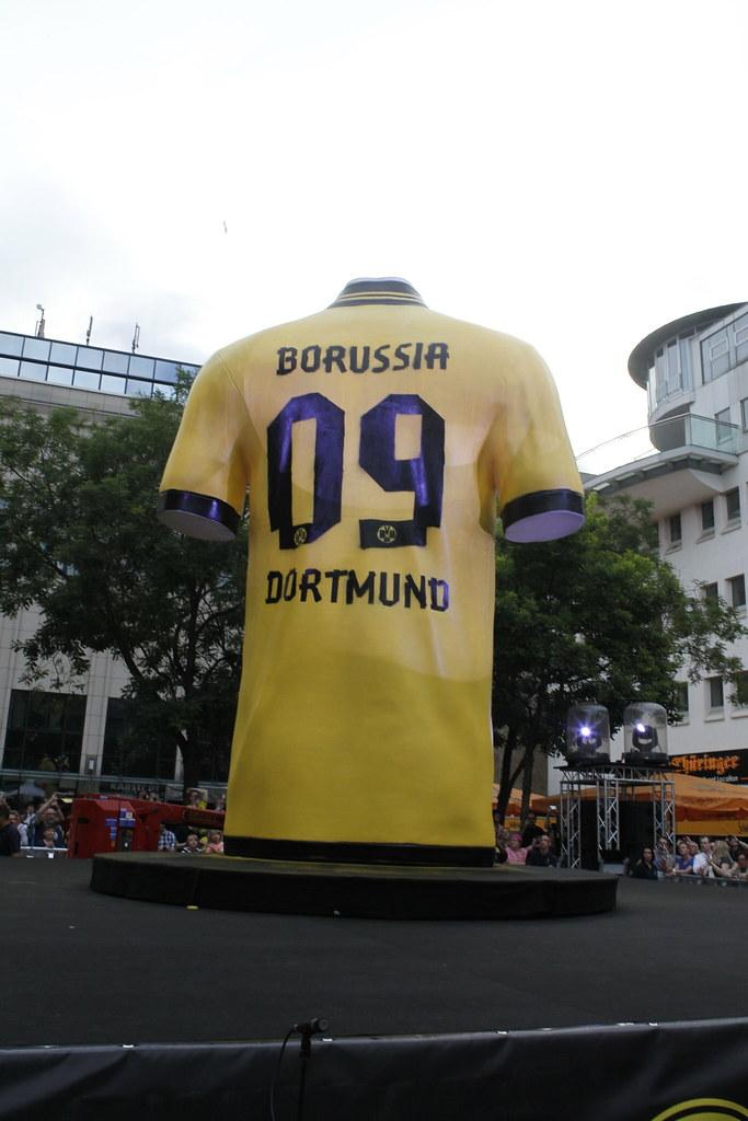 outlet store 99f4d d0e08 Trikotlaunch Borussia Dortmund (BVB) und Puma (2012/2013 ...