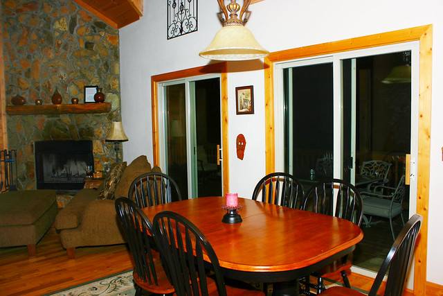 Eating area at the Blairsville Cabin