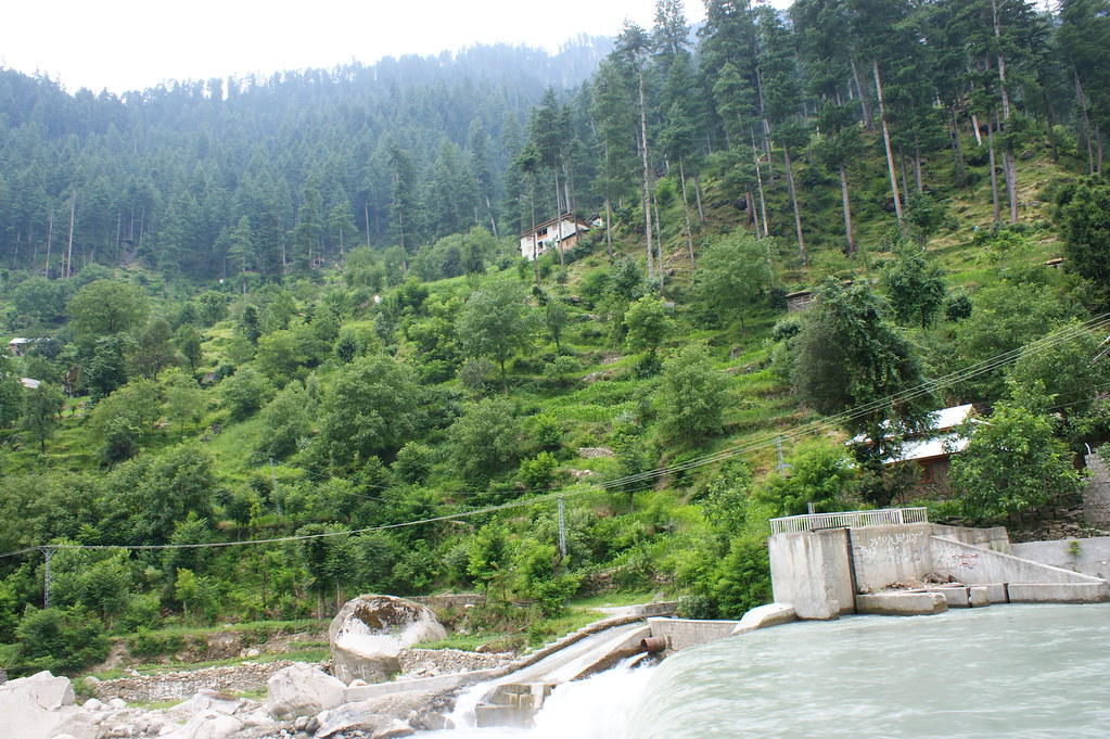"""MJC Summer 2012 Excursion to Neelum Valley with the great """"LIBRA"""" and Co - 7584187318 2736aa3b74 b"""