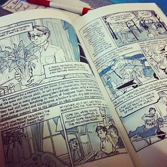 Loving it. #graphicnovel #autobiography #alisonbechdel #funhome #books