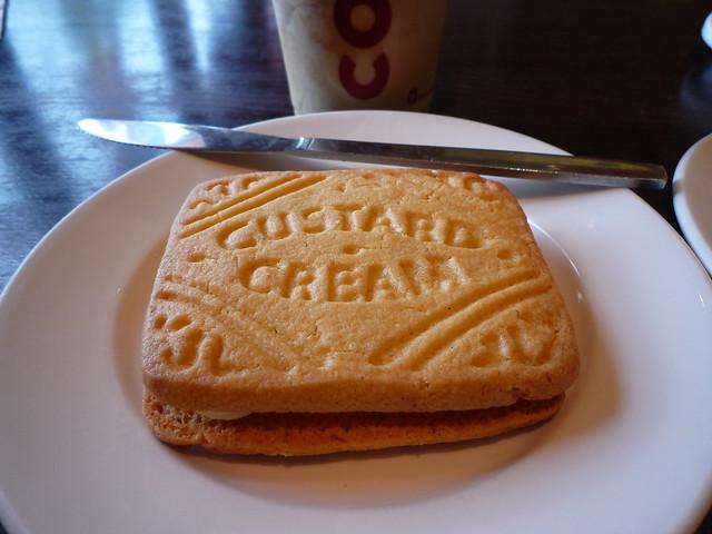 Giant Custard Cream Cake Recipe