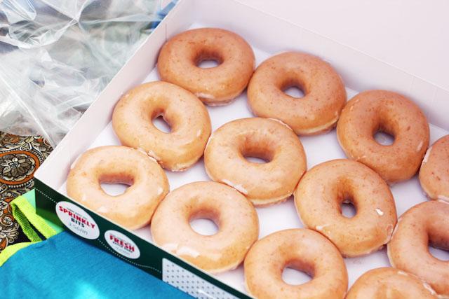 krispy kreme doughnuts orginal glazed dozen box