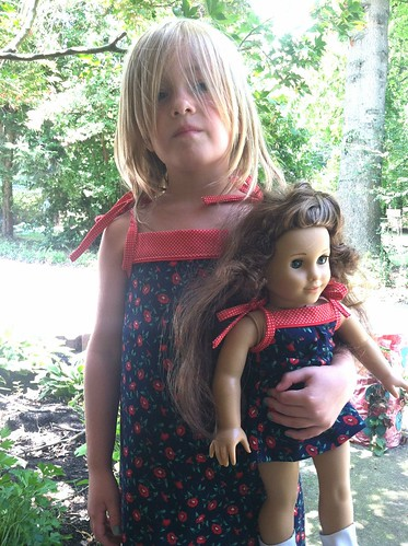 O   S popover sundress w/matching doll dress