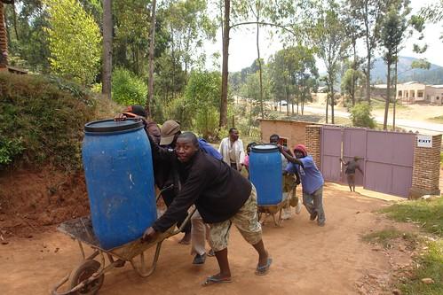 africa travel people work rwanda worker huye 08project 09locationgeotag 03content 04context 17unhasudunhabitat
