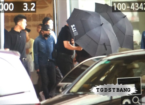 Big Bang - Beijing Airport - 05jun2015 - Seung Ri - TGDSTbang - 01