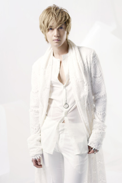 "Kim Hyun Joong 2nd Japanese Single ""HEAT"""