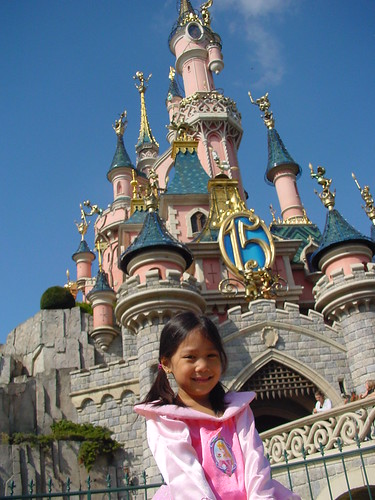 Disneyland resort paris sleeping beauty castle
