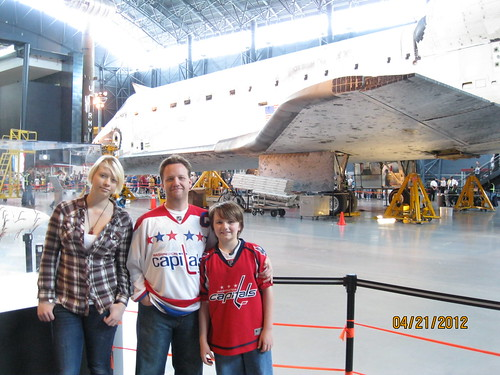 4/21/12: At Udvar-Hazy to welcome the Discovery.
