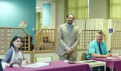 Au travail au Bureau des élections