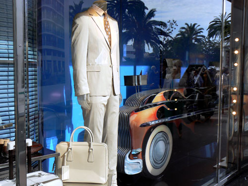 voiture et costume.jpg