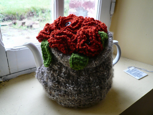 Red flower Teacosy 1