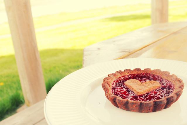 Mesita de picnic y tarta de Corazon!