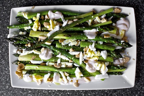 roasted asparagus with almonds and yogurt