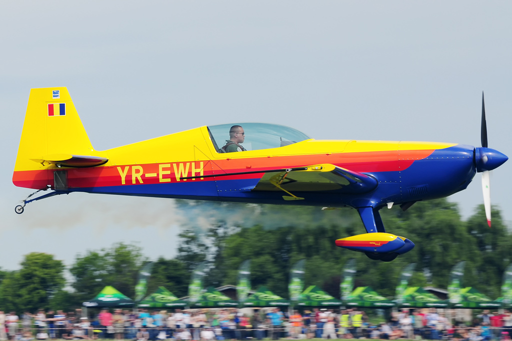 CLINCENI AIR SHOW 2012 - POZE 7335009958_4aece76356_o