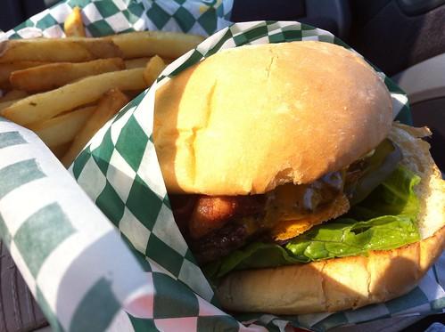 Paul's Deluxe Burger