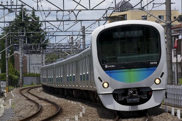 西武鉄道 30000系電車/各停 西武新宿行き